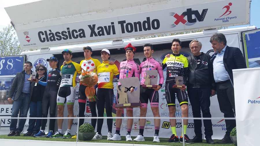 Els guanyadors d'enguany a la Clàssica Xavi Tondo, la cursa que homenatja al ciclista vallenc