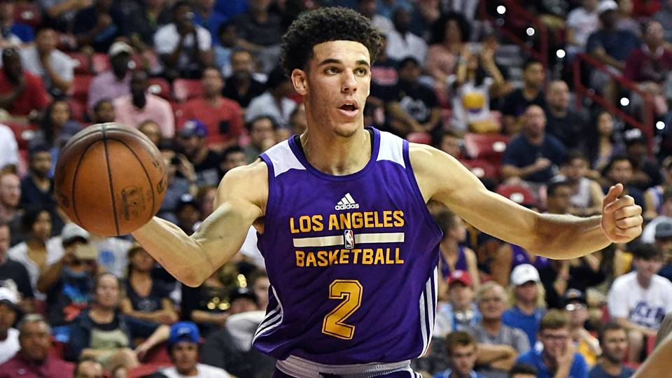 lonzo-ball-pass-071617-getty-ftrjpg_jxn0mlrl7ku51cy9f7s3pof6q