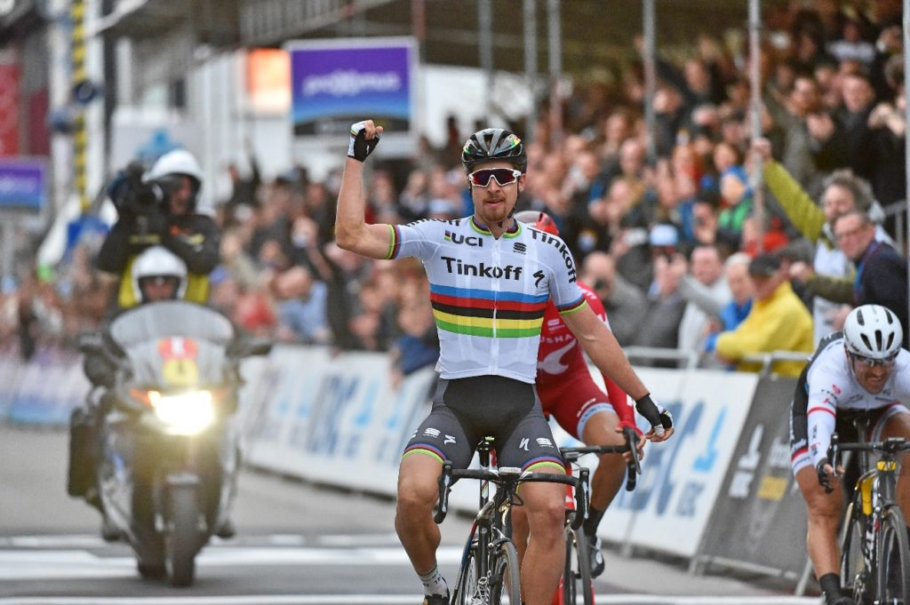 peter-sagan-tinkoff-world-champion-gent-wevelgem-salute-pic-sirotti