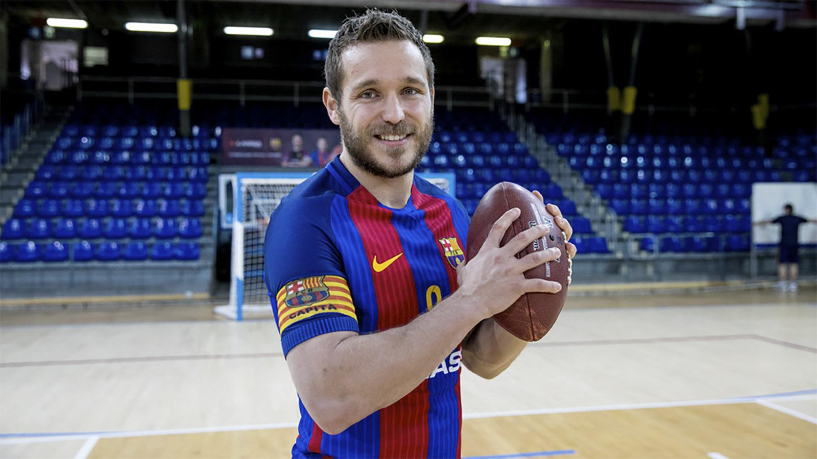Víctor Tomas, Un Altre Gran Fan De La Superbowl