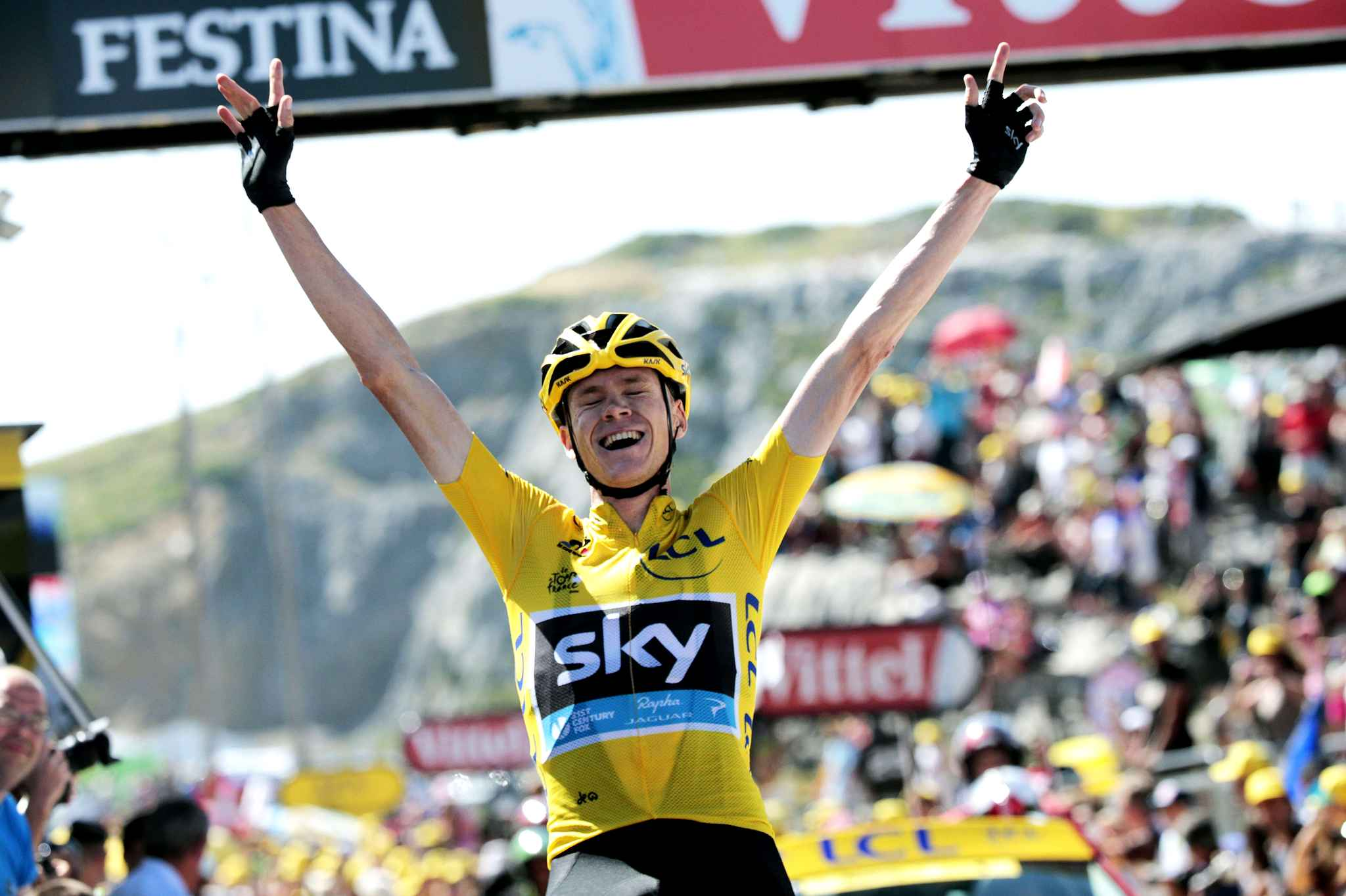 britain-christopher-froome-wearing-the-b879-diaporama