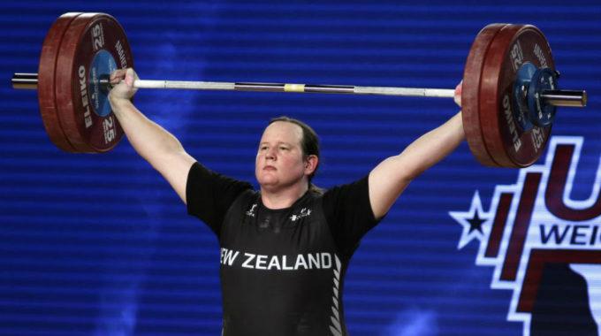 Laurel Hubbard, L'aixecadora Transgènere Medallista Al Mundial L'esportista De Nova Zelanda S'endú La Plata A Anaheim