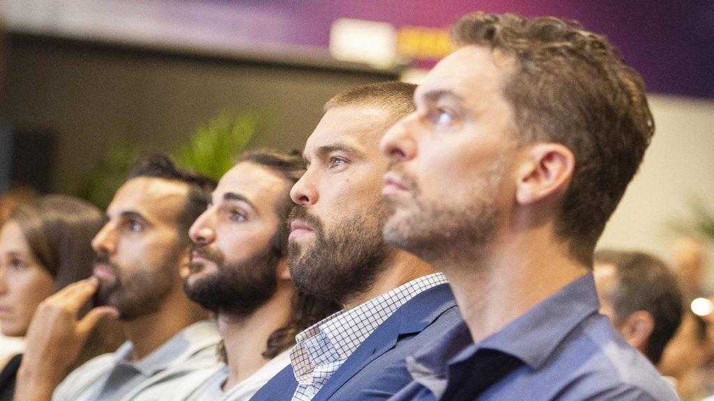 Els germans Gasol i Ricky Rubio, presents en l'homenatge / FC Barcelona