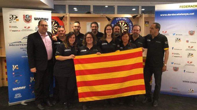 Fent Punteria Per Catalunya La Selecció Participa Per Tercera Vegada A La Copa Del Món De Dards Amb La Novetat De L'equip Femení, Que Hi Torna Després De 8 Anys