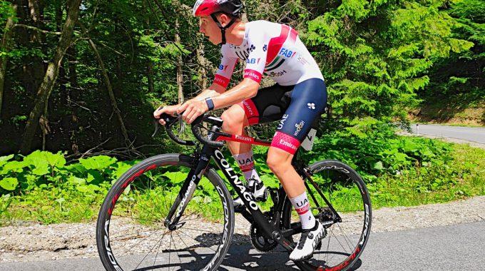 Vacunes I Esport Professional: Una Prioritat? Un Equip Ciclista Posa La Vacuna A Tots Els Seus Corredors